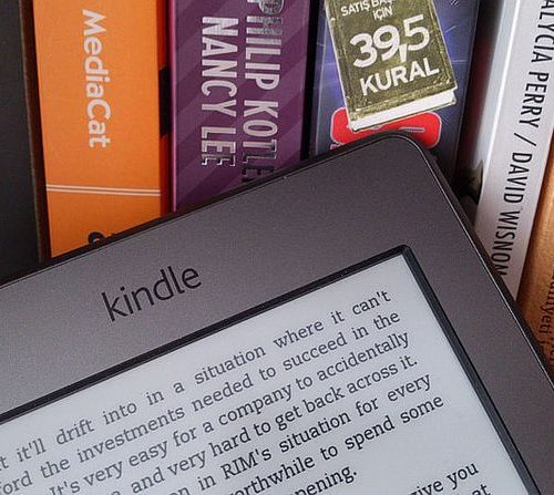 Pedidos online e vendas de e-books faturam mais que livrarias nos EUA